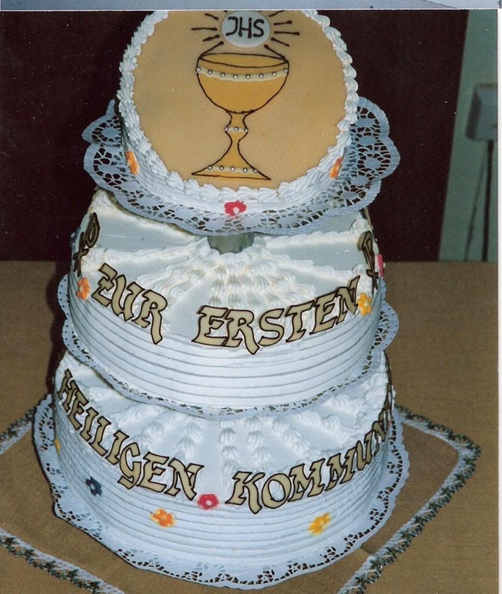 Taufe und kommunion plecher for Torte zur taufe selber machen