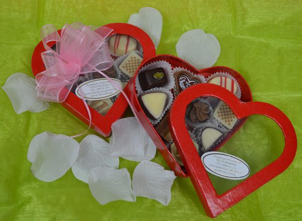 Pralinen in Herzverpackung klein