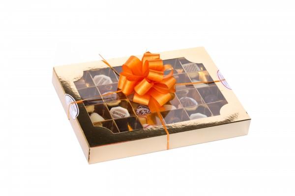 24 Feinste Pralinen in goldener Geschenkverpackung